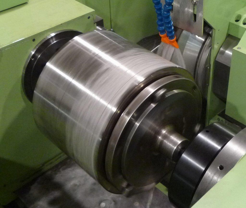 ロール研削盤 CRG800による加工